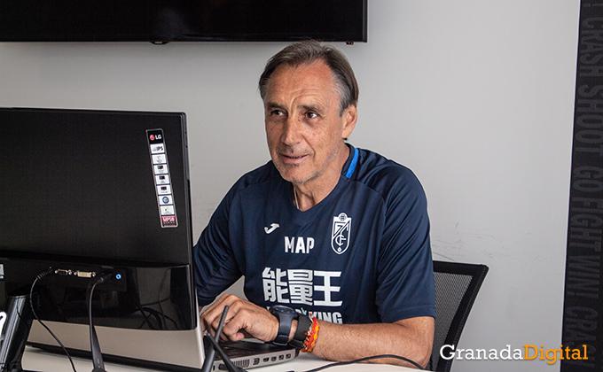 Entrenador Granada CF (6)