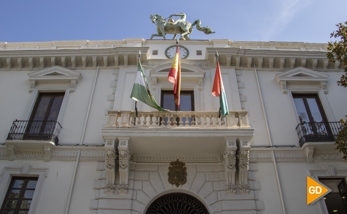 fachada del ayuntamiento granada 02
