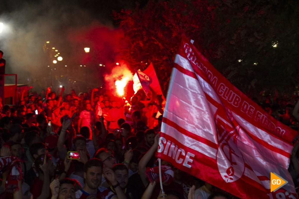 celebracion del ascenso del Granada Cf en la fuente de las batallas