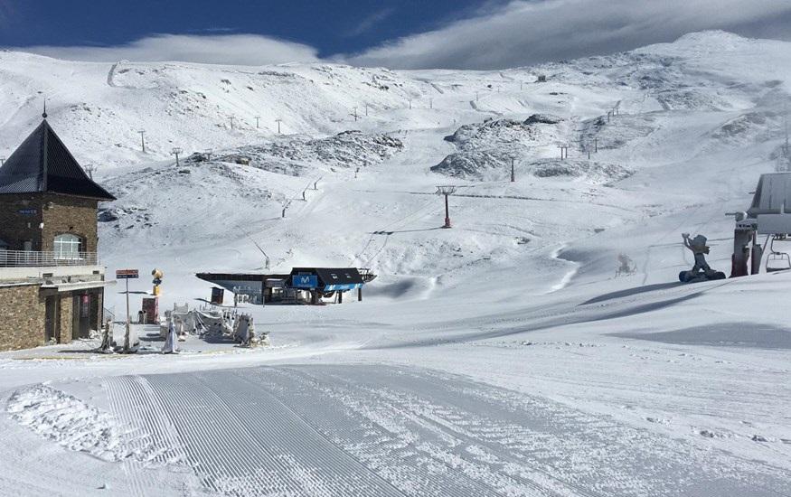 Granada.- Turismo.- Sierra Nevada confirma la apertura de su temporada invernal el próximo 23 de noviembre