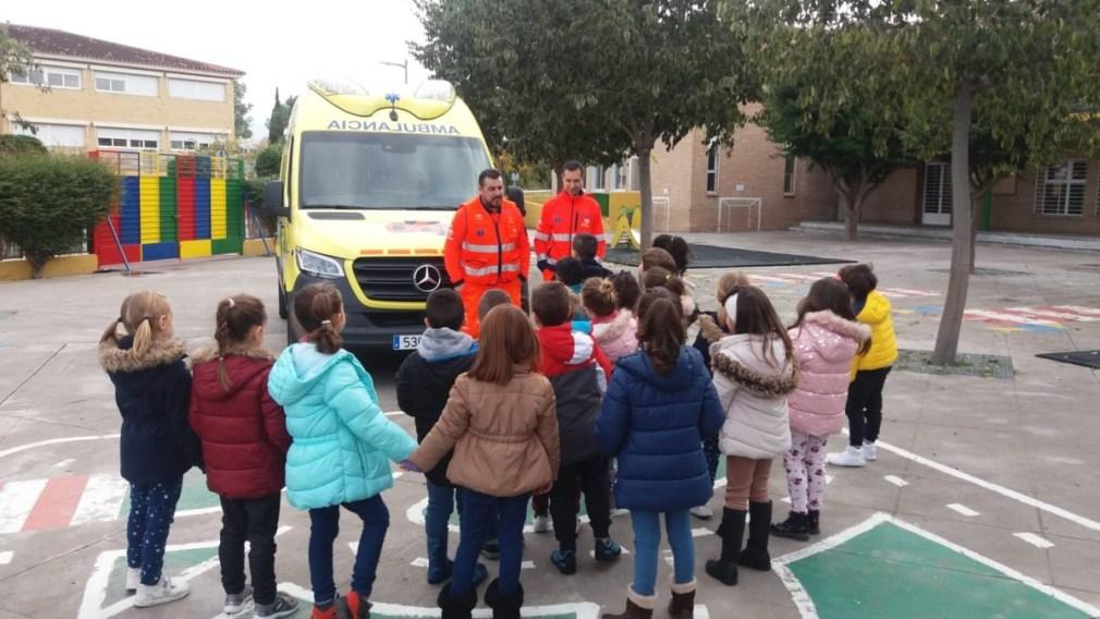 Granada.- El 061 forma en primeros auxilios a 150 alumnos del centro de educación 'Arco Iris' en Churriana de la Vega