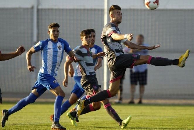 El Recreativo de Granada vence a domicilio al Atlético Malagueño