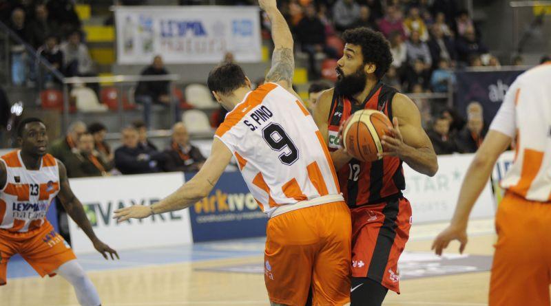 Coviran Granada demuestra ser un auténtico equipo para vencer en Coruña