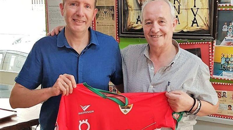 El SIMA Peligros nombra a Manuel García Bueno, de Taberna Andaluza, Socio Honorífico del club