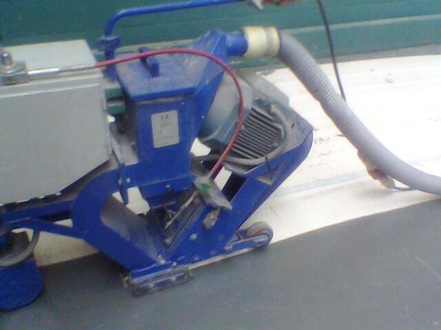 Granalladora preparando suelo de hormigón