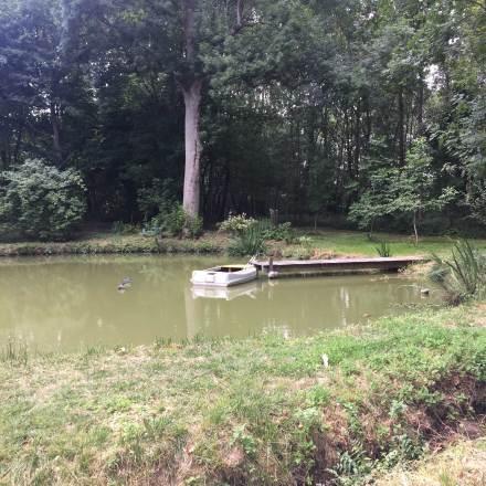 l'étang et la barque