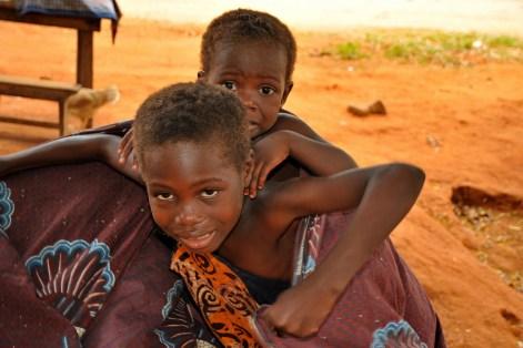 Village bord du lac Togo F13_2597