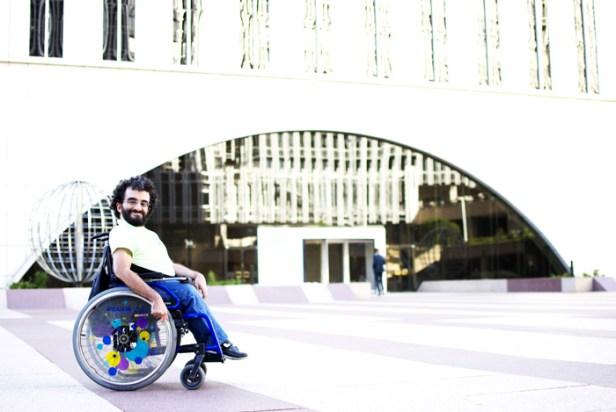 Arturo Góngora es gay y tiene discapacidad