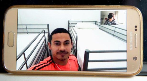Luis Alberto Bocoul Mendoza es migrante y aprovecha la cuarentena para hacer cursos