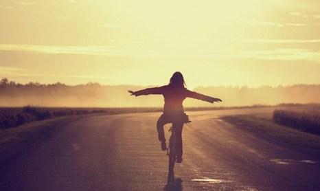 Ser feliz es una decisión solo apta para valientes.