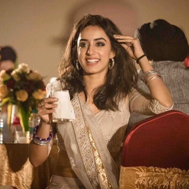 Sargun Kaur Luthra Wiki Age Height Boyfriend Family And More Grandpeoples