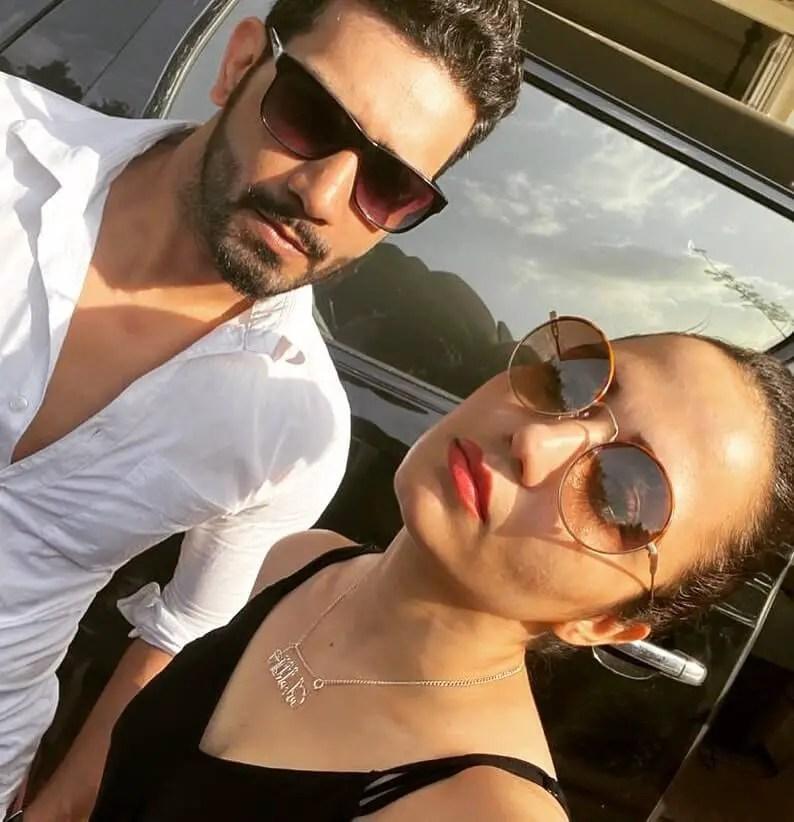 Vineet Kumar Chaudhary wife