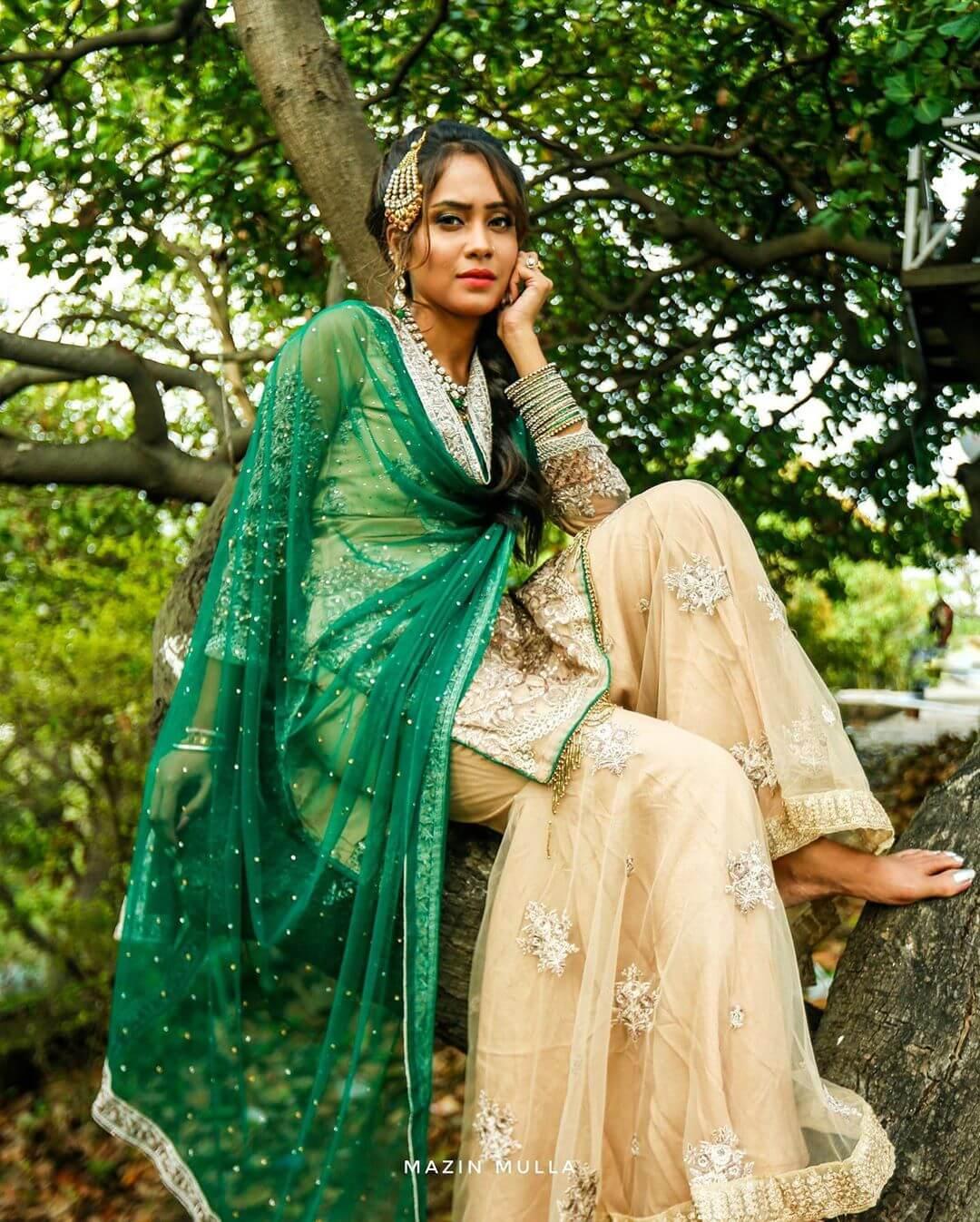 Aasiya Kazi height