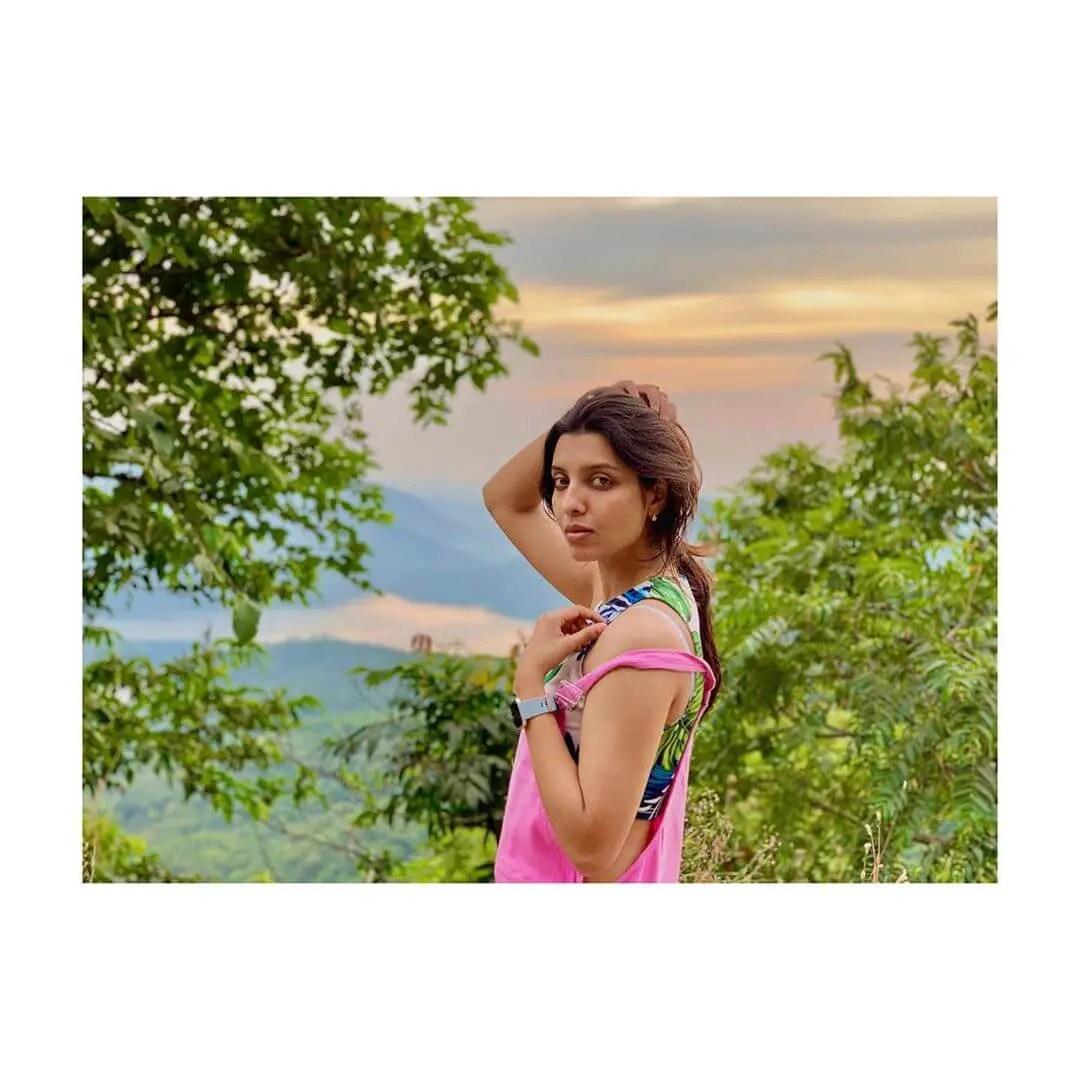 Riya Deepsihot photos
