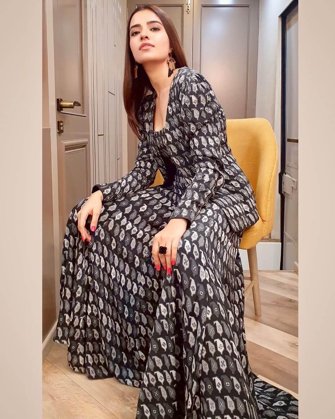 actress Rukshar Dhillon wiki