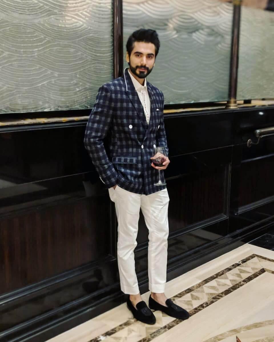 actor Ishwak Singh