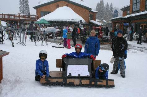 Spring-Skiing-Cardboard-Box-Derby-2013-54