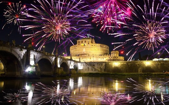 What does New Year s Eve Look Like In Italy  Fireworks Everywhere     The wonderful world of traditional Italian fireworks  Written by Marcel  Hanse   Leendert van Buren