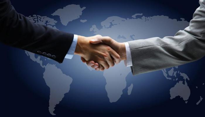 El arte de la negociación pacífica vive un duro momento en el orbe. Foto: RT