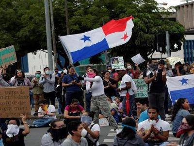 Estudiantes y constructores se suman a protestas en Panamá