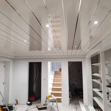 A new high-gloss cladded ceiling
