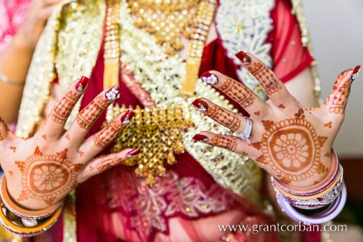 punjabi bride henna wedding photographer