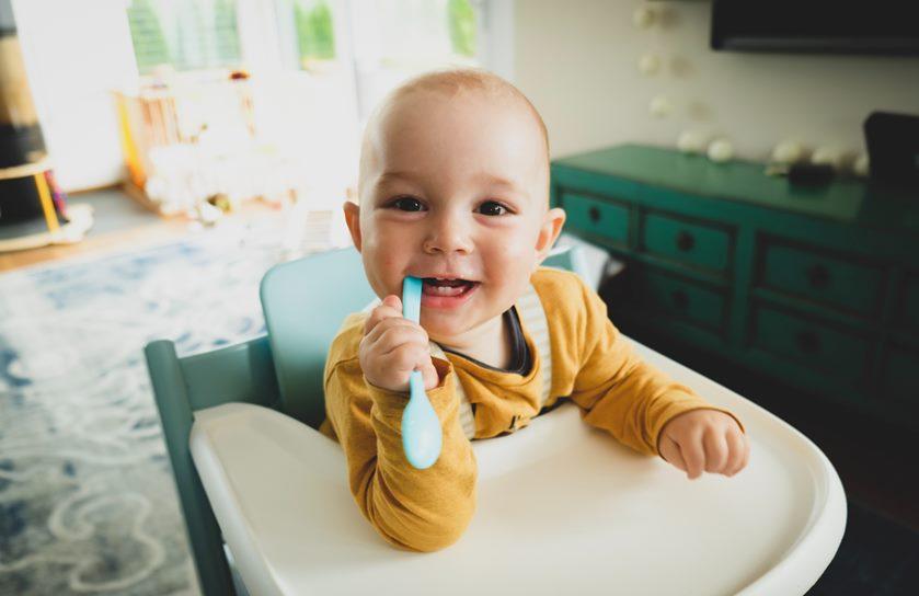 Granujas Crianza Sostenible Bebé con dientes prevención bucal infantil