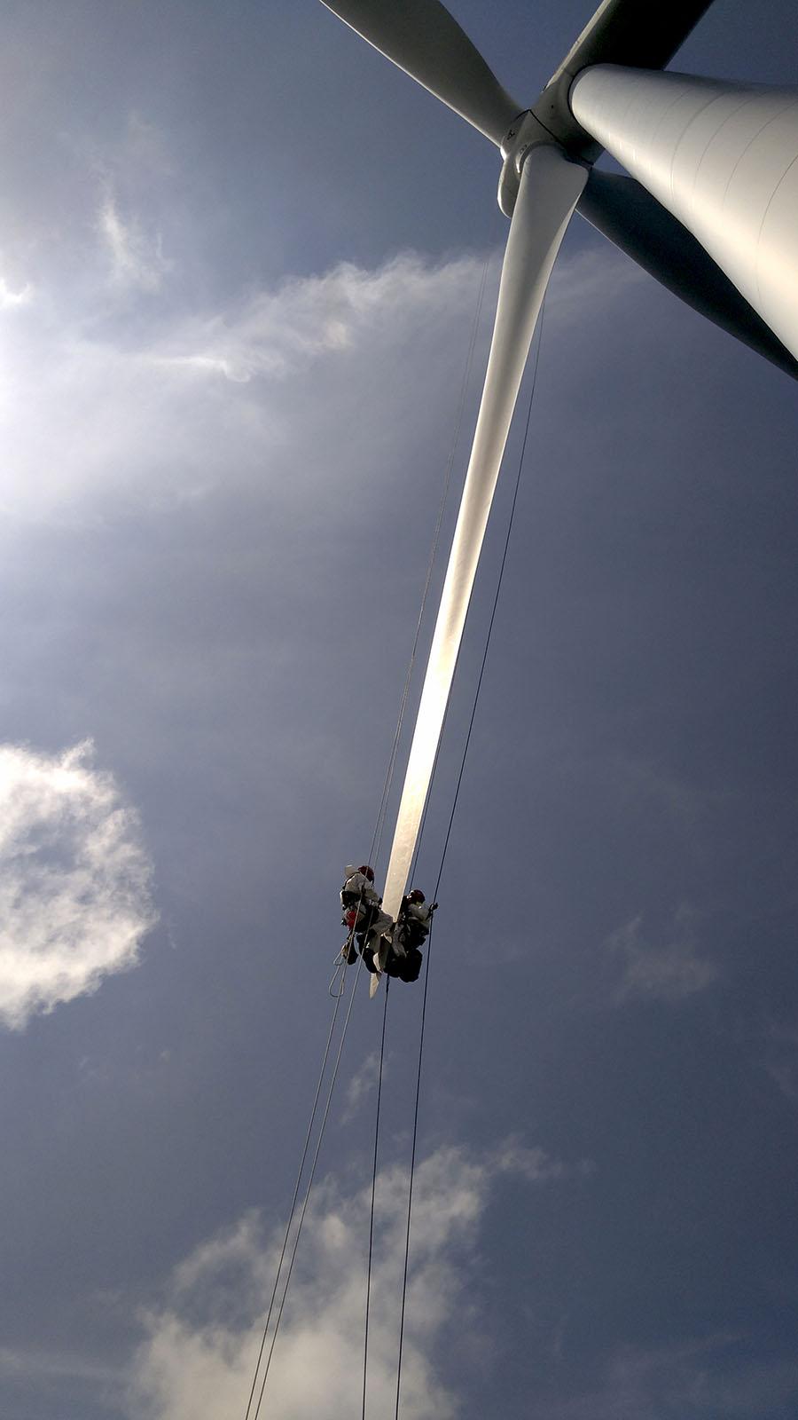 Blade repair, rope access, aerogeneradores