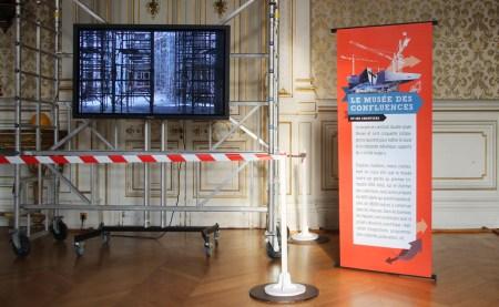 Présentation visuelle d'une exposition sur le chantier du futur musée des Confluences