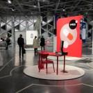 Scénographie rouge exposition Design map