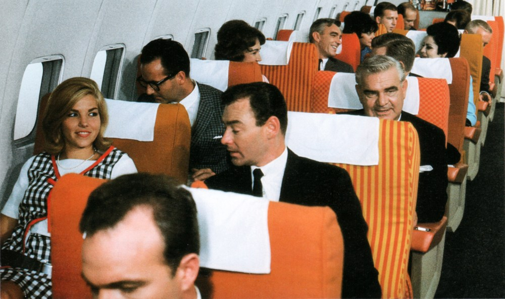 braniff-interior-planes-colors
