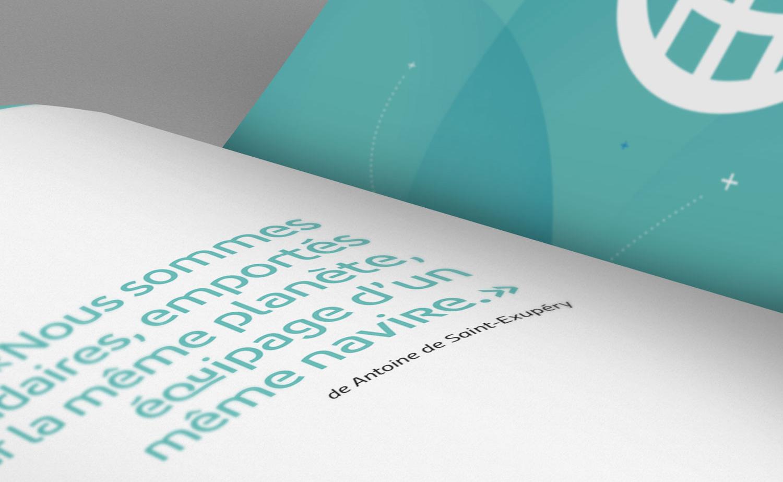 Détail typographie et Mise en page du catalogue de formations Agence de mutualisation des Universités