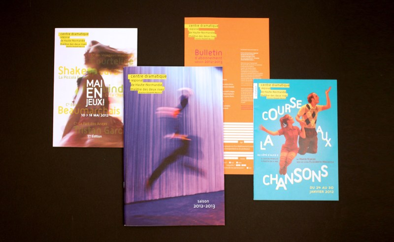 communication-theatre-2-rives-brochures-affiches