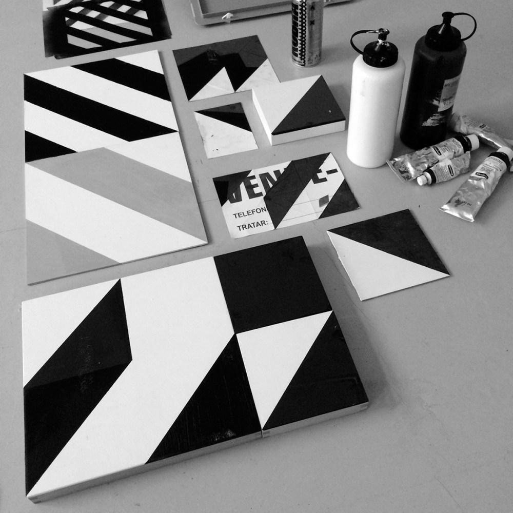 Abbey-road-logo-painting-graff-black-white-noir-blanc