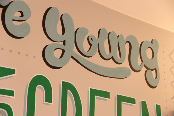 Holiday_Inn_typography_mural_14