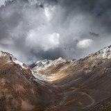 Snowstorm at Khardungla Pass