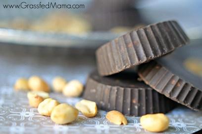 Homemade dark chocolate peanut clusters