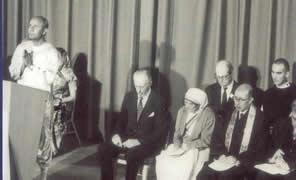 U.N.1975withSriChinmoymotherTheresaetal_000