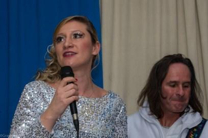 Unterstützt mit ihrem tollen Gesang den Showtanz, Melanie Gisch