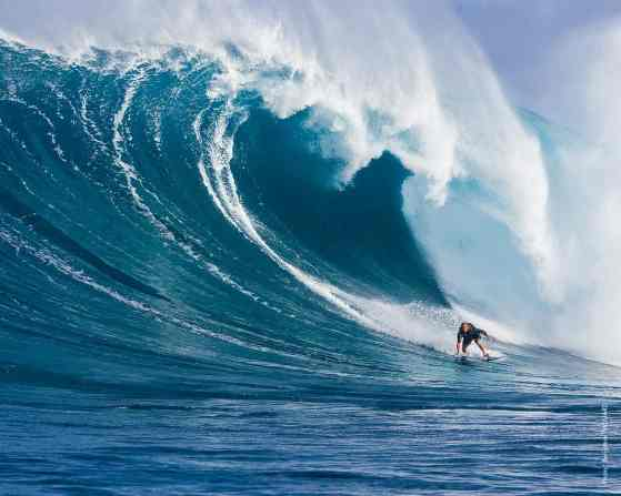 laird_hamilton_surf_wallpaper-normal5.4