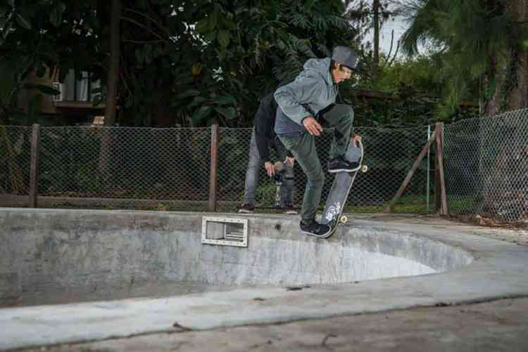 blunt to fakie