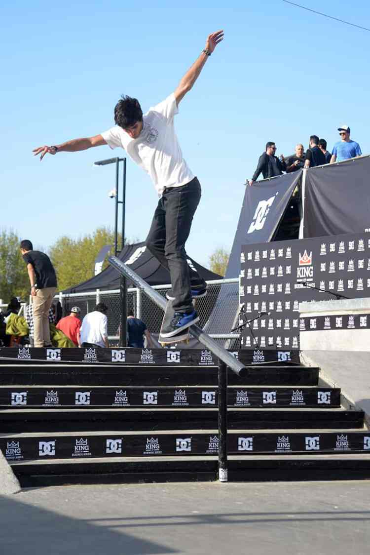 Nicolas Fernandez bs smith grind
