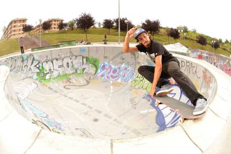 santiago goicoechea-frontside-crailslide-bilbao-PH: gaston francisco