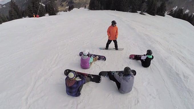 Beginner-Snowboard-lessons