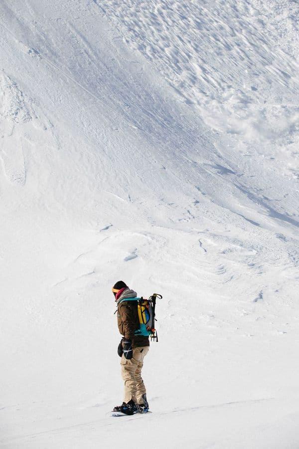 http---coresites-cdn.factorymedia.com-mpora_new-wp-content-uploads-2016-02-Cat-skiing-Snowboarding-in-Kyrgyzstan-2016-Dan-Medhurst-8328