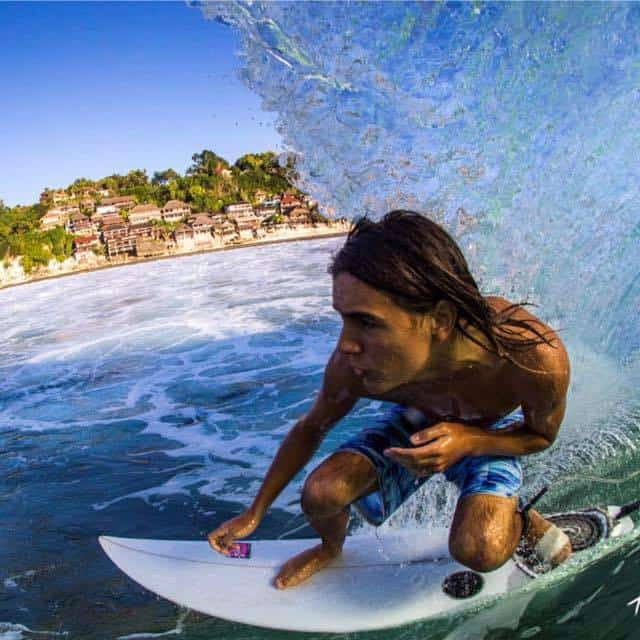 santi_surf