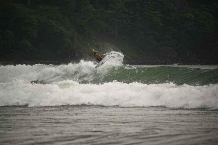 Playa Jacó proveerá muchas secciones para aereos, condiciones perfectas para que los competidores puedan demostrar su Surfing de alto rendimiento. Foto: Fabian Sanchez