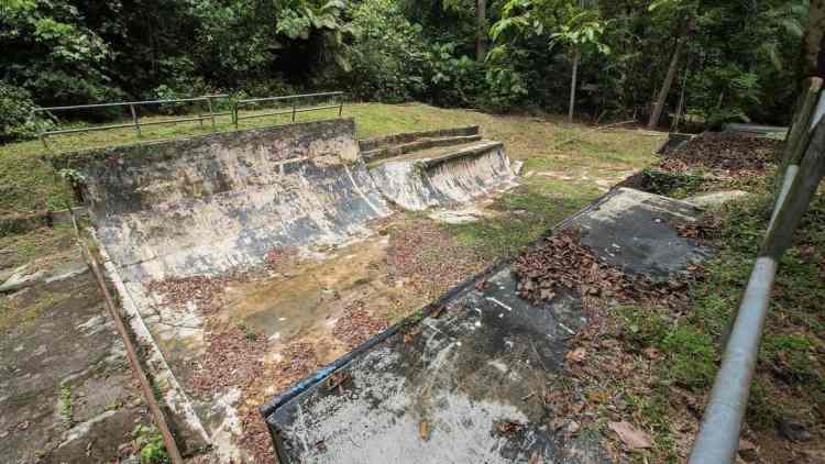 http-coresites-cdn-factorymedia-com-sidewalk-wp-content-uploads-2016-11-lost-malaysian-skatepark-4
