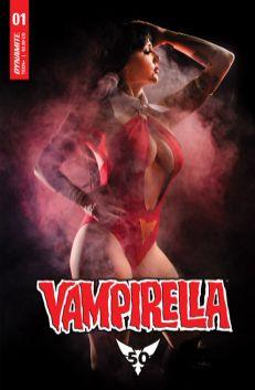 Cover E: Cosplayer Erica Fett