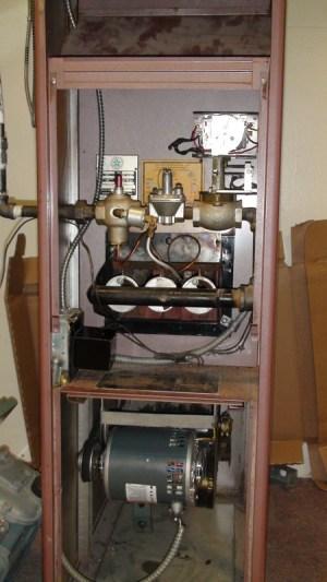 Gas furnace that has a pilot light troubleshoot  Gray Furnaceman Furnace Troubleshoot and Repair